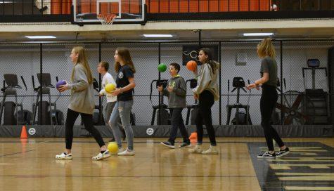 Senior Leaders start AIM dodgeball tournament for freshmen