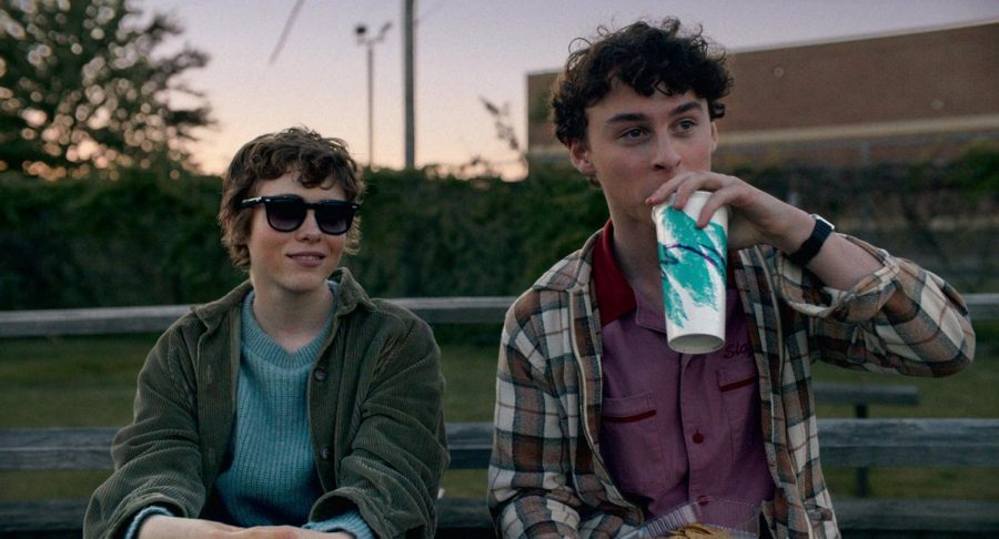 Sophia Lillis and Wyatt Oleff star in Netflix's new show