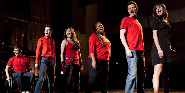 %22Glee%22+aired+on+the+Fox+network+from+2009+to+2015%2C+which+accounts+for+its+popularity+and+influence+among+high+schoolers+right+now.
